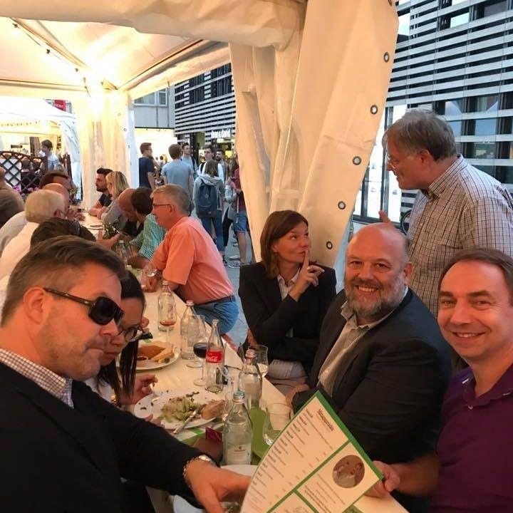 WümS-Stammtisch bei der Weinparade